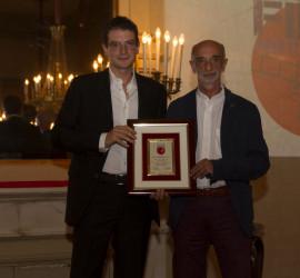 Accursio Soldano premiato dal prof Michele Guerra