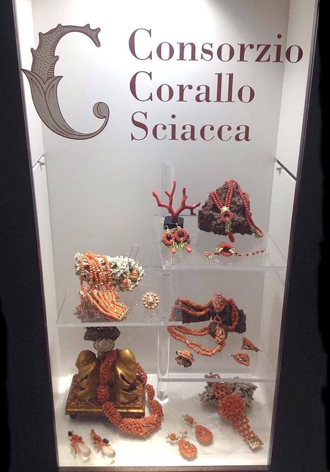 Da oggi il corallo di sciacca sar esposto all 39 interno del for Arte arredi sciacca